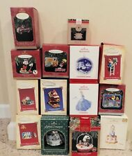 LOT OF 14 HALLMARK ORNAMENTS , DISNEY, MAGIC MOTION, LUNCH BOXES .ETC….. EUC