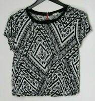 EYE SHADOW Short-Sleeve Women's Top Black & White Geometric Pattern Size Large