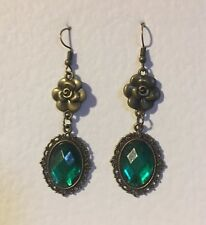 VICTORIAN STYLE EMERALD GREEN ACRYL DARK GOLD PL CAMELLIA DROP EARRINGS DC hook