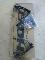 """Brand NEW  Hoyt Helix Turbo Compound Hunting Bow RH 70lb 29"""" Blackout"""