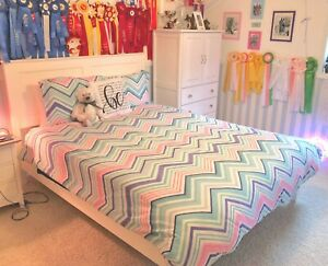 Pottery Barn PB Teen: Queen Duvet Cover, Shams & More! Pink, Teal, White Purple