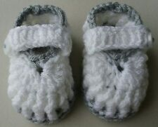 HAND MADE CROCHET BABY WHITE AND GREY BOOTIES 3-6 MONTHS