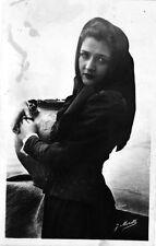 Type de jeune fille corse - Portrait J. Moretti