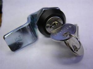 4 Southco E5-5-405-UU1-12 E5 Quad Latch (Key Lockable) M22 x 23 Housing #20 Cam