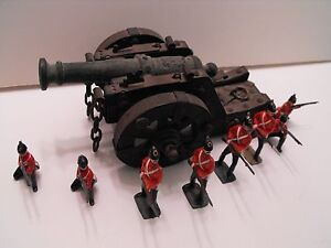 BRITAINS SHERWOOD FORESTERS TOY SOLDIERS / 8 FIGURES / Original with Box