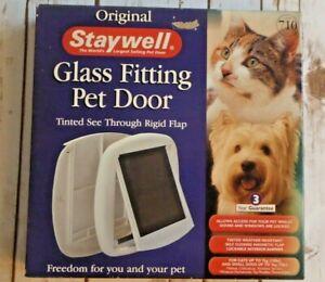ORIGINAL STAY WELL SMALL PET DOOR / CAT FLAP CATS 7kg/ Dogs 3 Kg