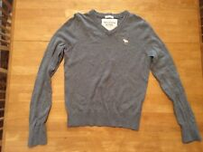 ABERCROMBIE & FITCH Gray SWEATER size S Embroidered Moose Long Sleeve V-neck