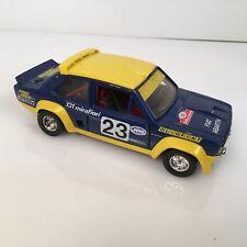 Modellino BURAGO FIAT 131 Abarth Mirafiori RALLY OLIO FIAT 23 diecast scala 1:24