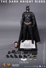 Hot Toys DX12 The DARK KNIGHT. FACTORY SEALED