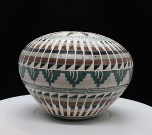 Medium Blue/White Seed Pot by Elaine Begay, Navajo