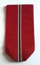 Allemagne: Ruban neuf plié pour la médaille du front de l'est.