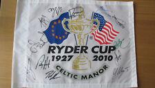 Ryder Cup 2010 Drapeau Pin signé full team McIlroy Poulter Jimenez Westwood