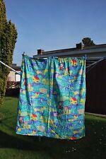 Tenture verte pour enfant avec motifs de ferme colorés H 1m30 x L 1m25 TB Etat!
