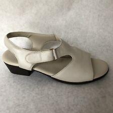 SAS Sandals Womens Size 9.5 W Beige Open Toe 218432 9 1/2 Wide Width