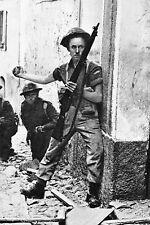 WW2 - Soldats canadiens du 1er CA à Pontecorvo (Italie)