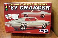 MPC '67 DODGE CHARGER FAST BACK 1/25 SCALE MODEL KIT