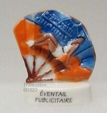 FEVE DE COLLECTION EN PORCELAINE / DE LA SERIE EVENTAIL PUBLICITAIRE