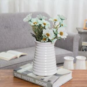 Modern Small Ribbed Design White Decorative Tabletop Ceramic Vase/Flower Pot