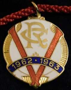 1962 ~ 63 VICTORIA RACING CLUB MEMBERS FOB / BADGE - STOKES - PERFECT
