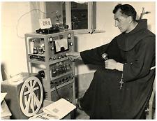 Italia, Radio amatori. Padre Gaetano (Luigi Orlandi)  Vintage silver print Tir