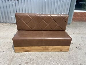 BROWN SETTLE / BAR / CLUB SEATING / LEATHER  / NEW / EX DISPLAY