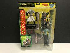 FRANKENSTEIN McFarlane Toys Monsters action figure playset with table + lab tool