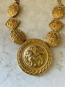Vintage Les Bernard Large Lion Gold Tone Lion Medallion Chain Necklace 1980s