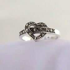925 STERLING SILVER MARCASITE HEART LOOP  RING SIZE 7