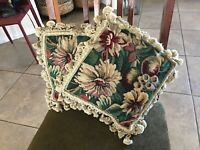 2 WOOLEN NEEDLEPOINT TAPESTRY AUBUSSON BOLD FLORAL ACCENT PILLOW COVERS 11x11