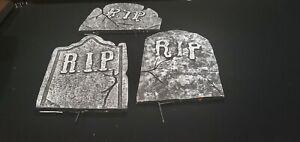 halloween decorations Tombstones and Skeletons
