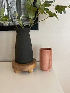 Modern Tall Cement Fluted Vase Ribbed Candle Holder Stoneware Table Vase Decor