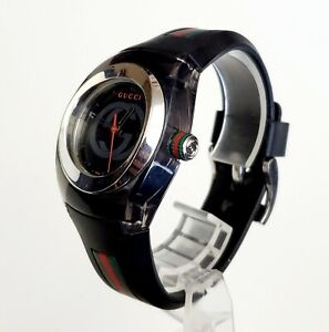"""Unisex AUTHENTIC SWISS Watch GUCCI """"Sync"""" 137.3. Midsize"""