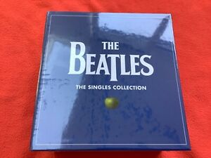 """THE BEATLES """"23 Vinyl 45s"""" Singles Collection Boxset with Booklet BNIB BEATLES!!"""