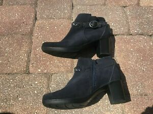 Clarks Bendables Women's Suede Navy Braided Strap Ankle Boots Shoes Size 7M