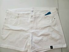 WOMEN'S NWT SIZE 30W WHITE DENIM SHORTS light distress on front 5 pockets