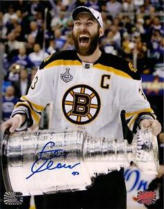 Zdeno Chara Boston Bruins Signed Autographed Screaming Holding Stanley Cup 8x10