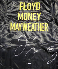 FLOYD MAYWEATHER JR. AUTOGRAPHED SIGNED BLACK BOXING ROBE BECKETT 121804