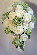 Brides teardrop bouquet, fleurs de mariage ivoire & pistache roses avec strass