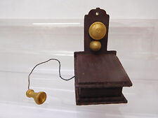 MES-56081Neuzeitliches Puppenstuben Wandtelefon Holz H:ca.55mm,