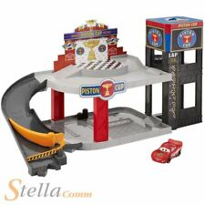 Disney Cars Piston Coupe Course Garage Set De Jeux