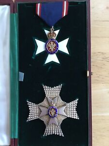 The Royal Victorian Order, K.C.V.O Knight Commander set in case of issue
