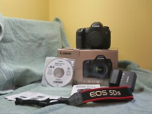 Canon EOS 5Ds DSLR Camera Like New Condition. Body Only