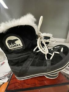 Snow Boots SOREL Glacy Explorer Shortie