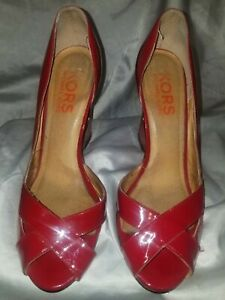KORS MICHAELK KORS RED HOLLOW WEDGE GOLD TONE LADIES SIZE 7.5 MADE IN BRAZIL