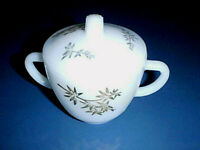 Vintage FEDERAL Milk Glass Sugar Bowl and Lid with Gold Bamboo Leaf GOLDEN GLORY