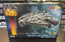 Star Wars Han Solo MILLENNIUM FALCON Revell Snap Tite Model Kit