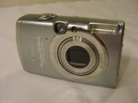 CANON POWERSHOT SD700 IS DIGITAL ELPH CAMERA w/ BATTERY & 512MB CARD
