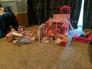 Barbie Glam Fold Away Vacation House