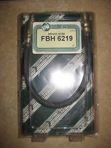 NEW FLEXABLE FRONT BRAKE HOSE - FITS: RENAULT 12 & 15 & 16 & 17 (1970-80)