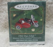 Hallmark Keepsake 1962 Duo-Glide Harley Die Cast Miniature Ornament 2000